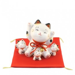 Lucky cat with trio sample2