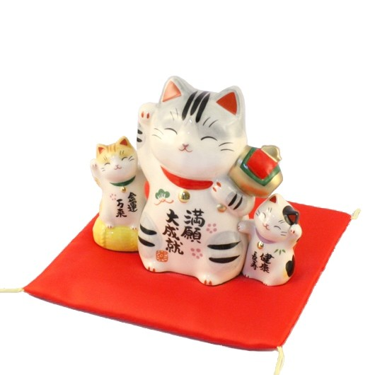 Lucky cat for success sample1